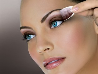 how-long-does-makeup-last-img